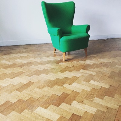 Groene stoel Edwin Pelser | Everdien Vroom Interieurontwerp